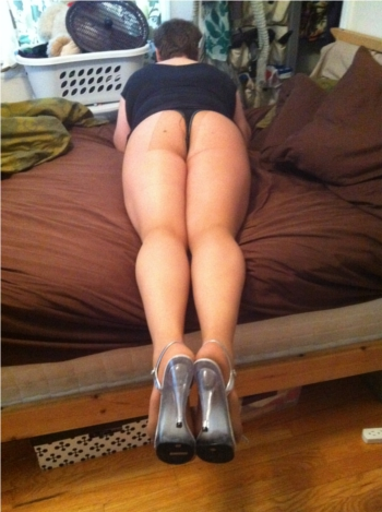 sissy slut in panty hose